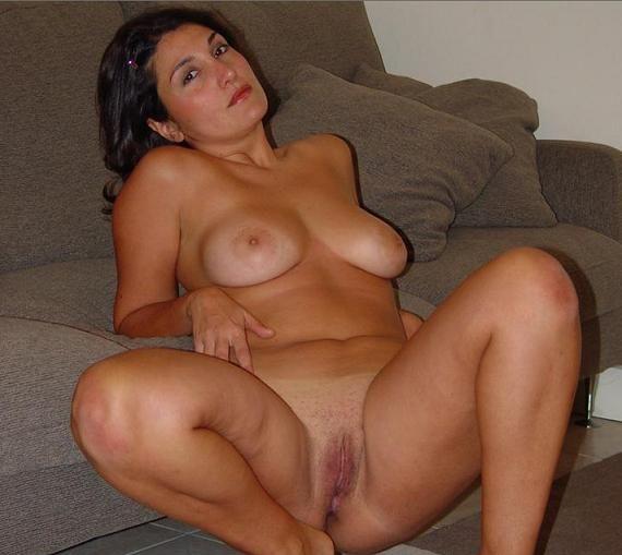 Hot wife sucking cock