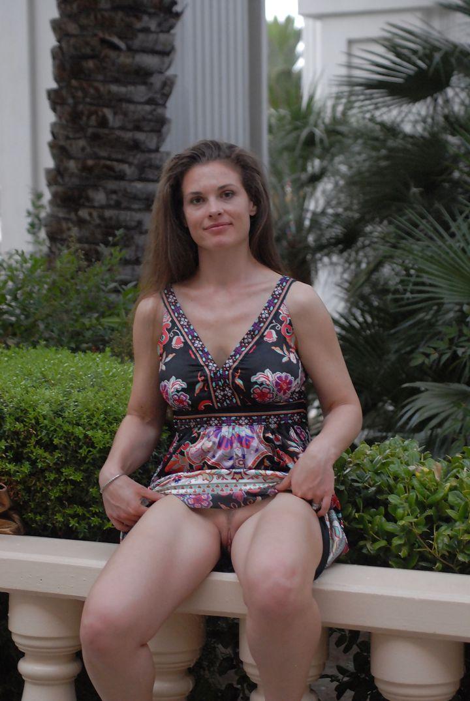 смотреть онлайн дамы без трусиков