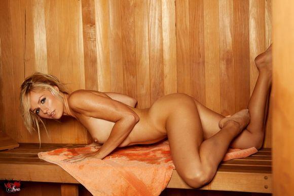 Сауна баня голые девушки еще